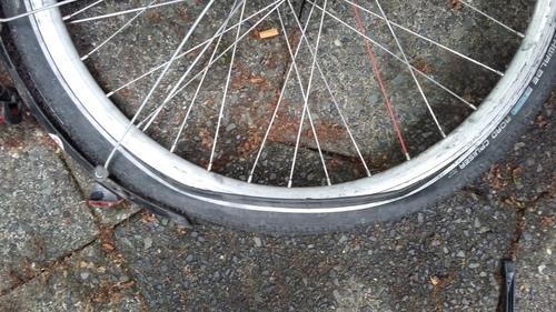 6月 ドイツ 自転車 パンク修理