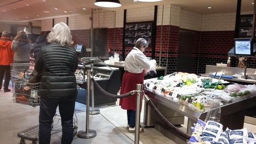 ドイツ、田舎のスーパーに魚が?!